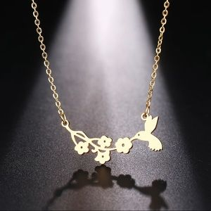 Jewelry - ⭐️NEW⭐️ Stainless Steel Gold Bird&Flowers Necklace